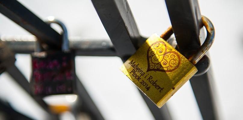 Ze Wzgórza Tumskiego zniknęły kłódki zakochanych. Dlaczego? - Zdjęcie główne