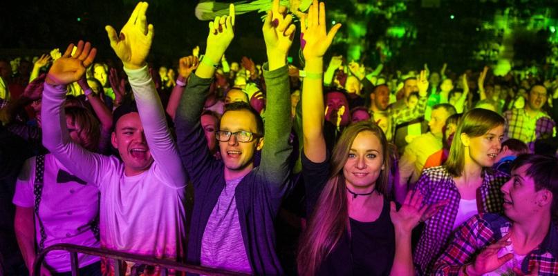Kilka tysięcy osób szalało w Orlen Arenie przy disco polo - Zdjęcie główne