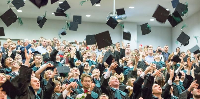Płockie kierunki studiów w krajowej czołówce - Zdjęcie główne