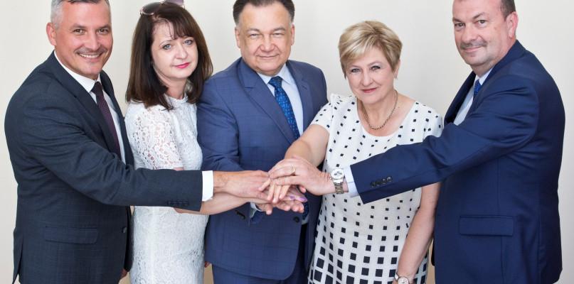 Zarząd Mazowsza z absolutorium i wotum zaufania - Zdjęcie główne