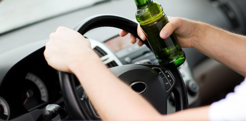 Kompletnie pijany kierowca jeździł po Podolszycach - Zdjęcie główne
