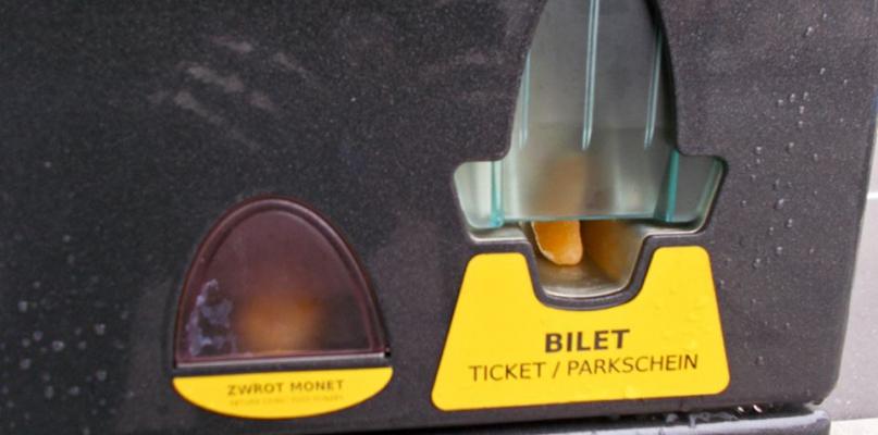 Od dziś na starówce działa już strefa płatnego parkowania  - Zdjęcie główne