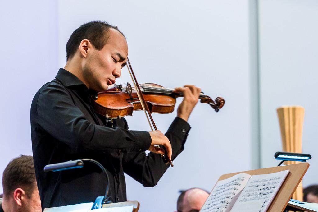 Wirtuoz skrzypiec zagrał z płocką orkiestrą - Zdjęcie główne