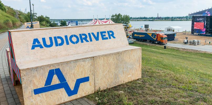 Organizatorzy Audioriver przepraszają. Jedna z artystek nie przyleci do Polski - Zdjęcie główne