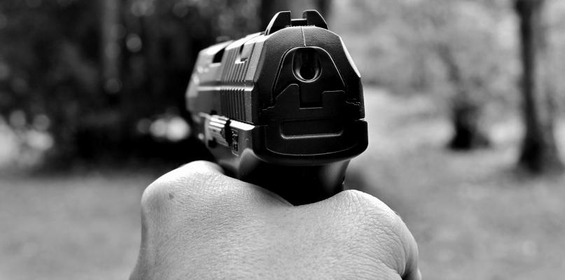 Samobójstwo na Rybakach. Skąd mężczyzna miał broń palną? - Zdjęcie główne