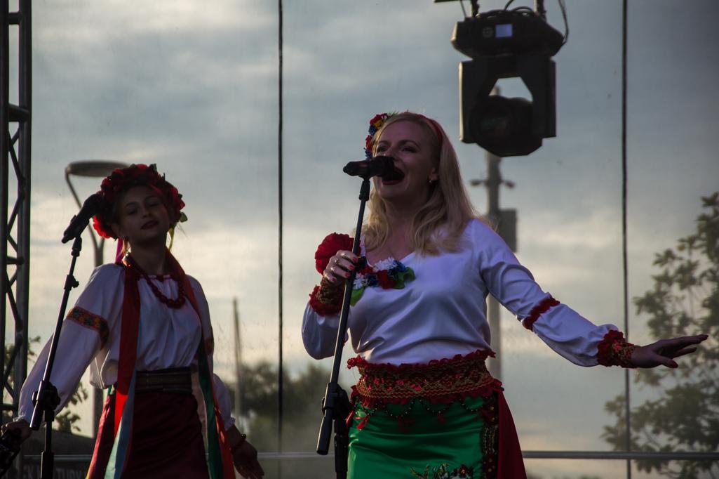 Roztańczony i rozśpiewany festiwal Romów w Płocku [ZDJĘCIA] - Zdjęcie główne