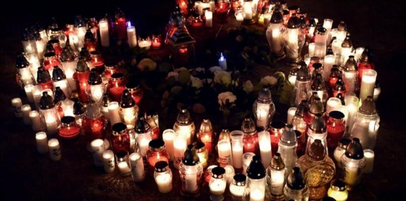 Przemoc i polityka. Zapraszają na Światełko dla Adamowicza - Zdjęcie główne