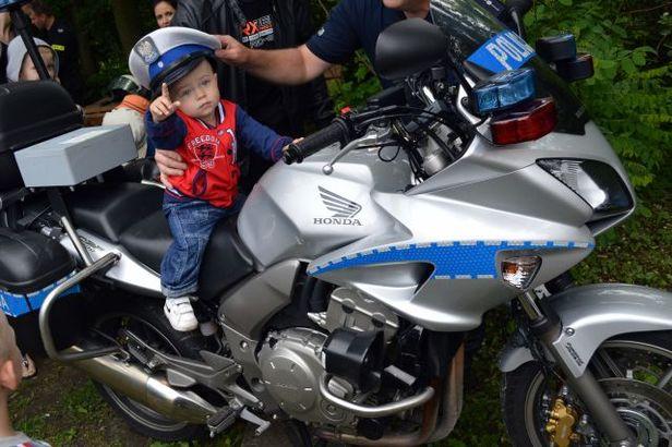 Prawdziwą furorę robił policyjny motocykl [FOTO] - Zdjęcie główne