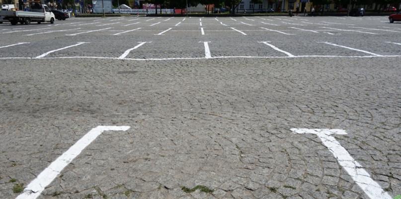 Zawczasu uprzedzają. Będzie mniej dostępnych miejsc do parkowania - Zdjęcie główne