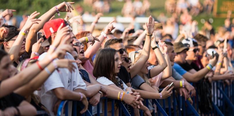 Kolejny festiwal odsłania karty. Kto zagra w sierpniu na plaży? - Zdjęcie główne