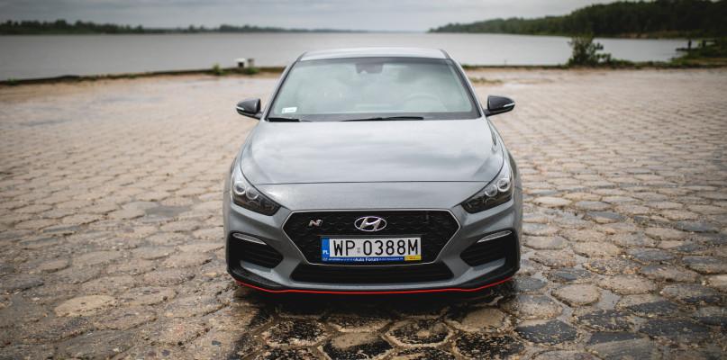 Odkryj Hyundai i30 Fastback N i poczuj klimat rodem z Formuły 1 - Zdjęcie główne