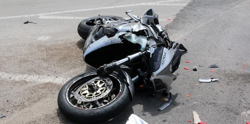 Zderzenie z udziałem motocyklisty na wylocie z Płocka  - Zdjęcie główne