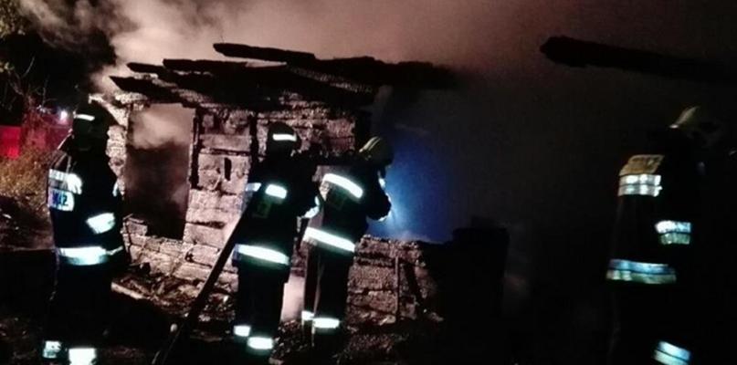 To była trudna akcja dla strażaków. Spłonął budynek [FOTO] - Zdjęcie główne
