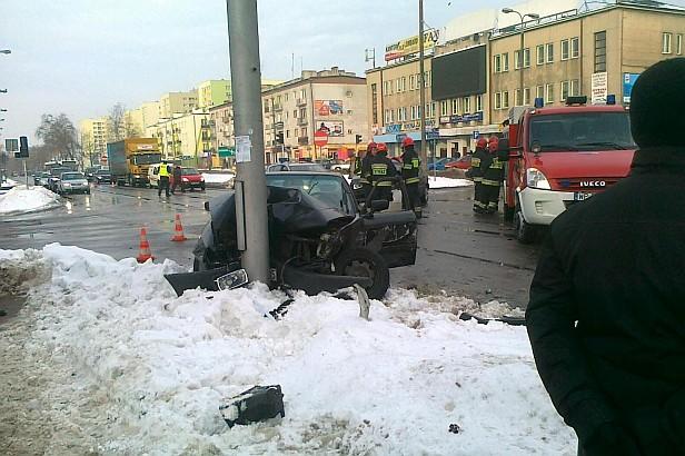 Wypadek na Jachowicza. Jedna osoba ranna [FOTO] - Zdjęcie główne