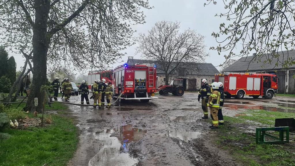 Pożar poddasza w domu jednorodzinnym - Zdjęcie główne