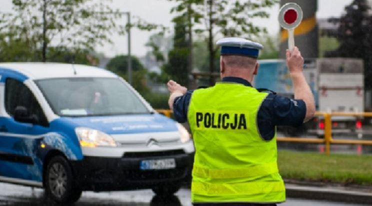 Więcej policyjnych patroli. Zapowiedziano też interwencje w przypadkach łamania obostrzeń - Zdjęcie główne