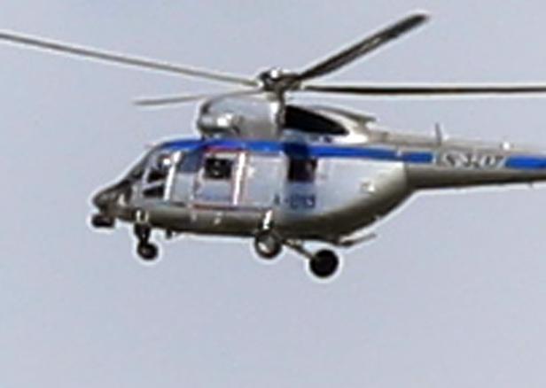 Helikopter policji krąży nad osiedlami - Zdjęcie główne