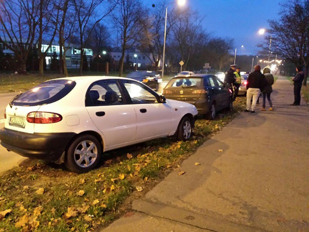 Zderzenie aut obok Orlen Areny - Zdjęcie główne
