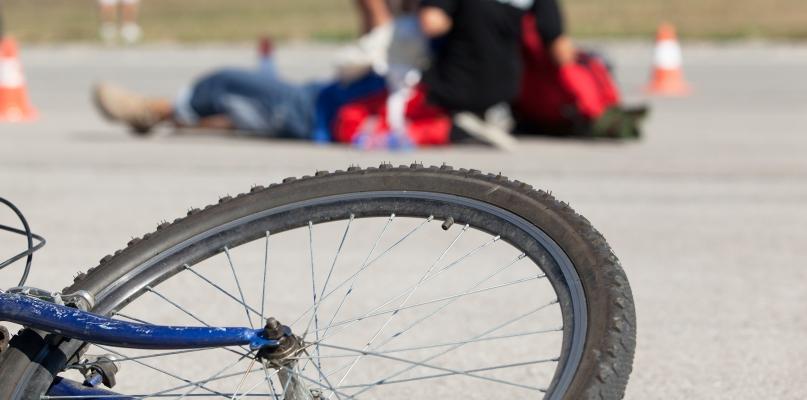 Tragedia pod Płockiem. Śmiertelne potrącenie rowerzysty - Zdjęcie główne