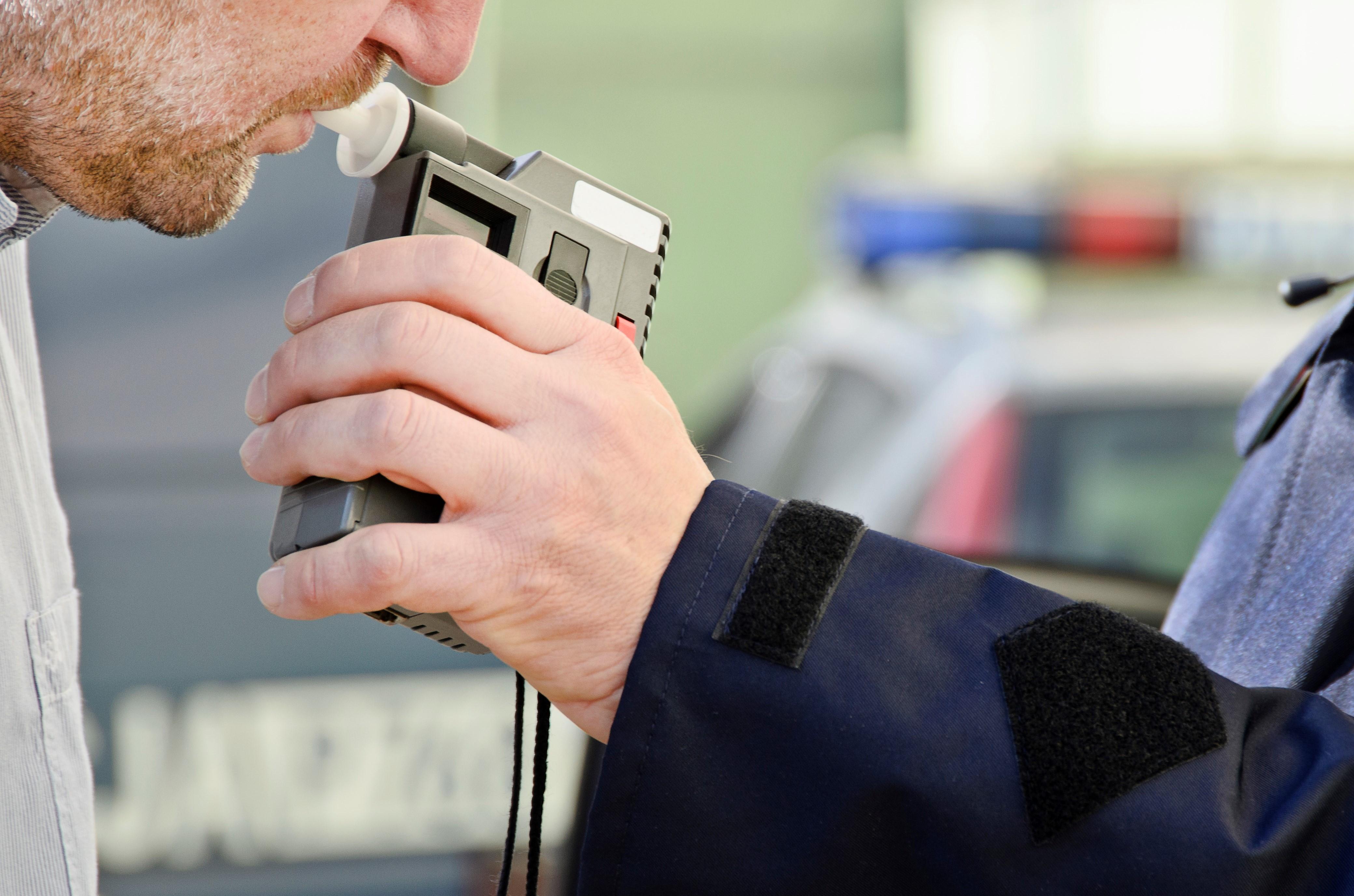 Rajd pijanego kierowcy po Podolszycach. Mężczyzna zatrzymany  - Zdjęcie główne