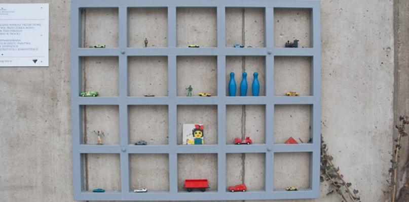 Schody na Mostową niczym sklep z zabawkami. Sami zobaczcie, jak się prezentują - Zdjęcie główne