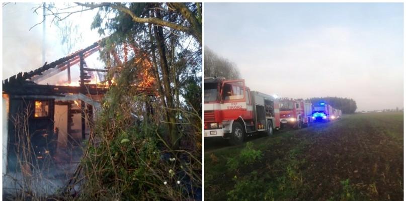Pożar dwóch drewnianych budynków [FOTO] - Zdjęcie główne