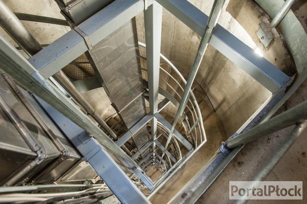 Zeszliśmy dwanaście pięter w głąb skarpy - Zdjęcie główne
