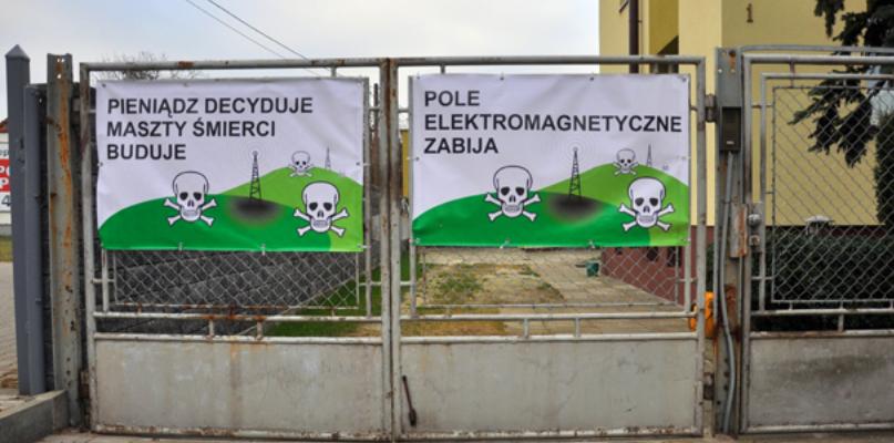 Powraca temat budowy masztu na Wyszogrodzkiej. Miasto bezradne? - Zdjęcie główne