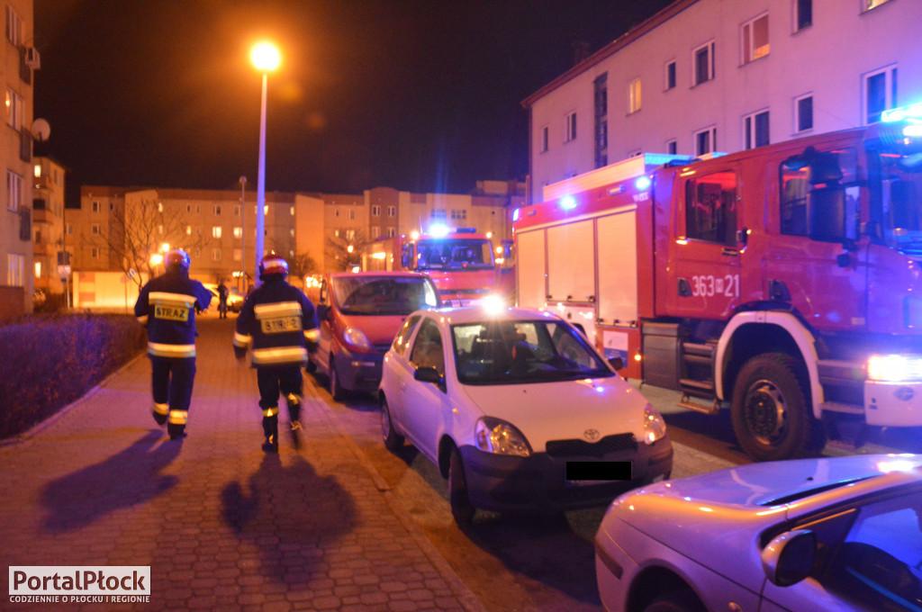 Straż pożarna pod budynkiem na al. Jana Pawła II. Co się stało? - Zdjęcie główne