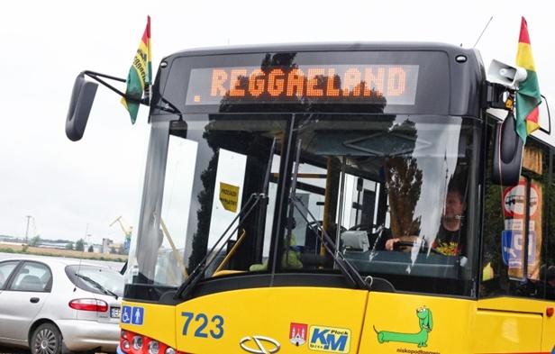 Od jutra na plażę ruszają Reggaebusy  - Zdjęcie główne