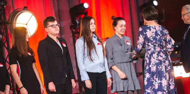 Zdolni uczniowie mogą starać się o stypendium Fundacji ORLEN - Zdjęcie główne