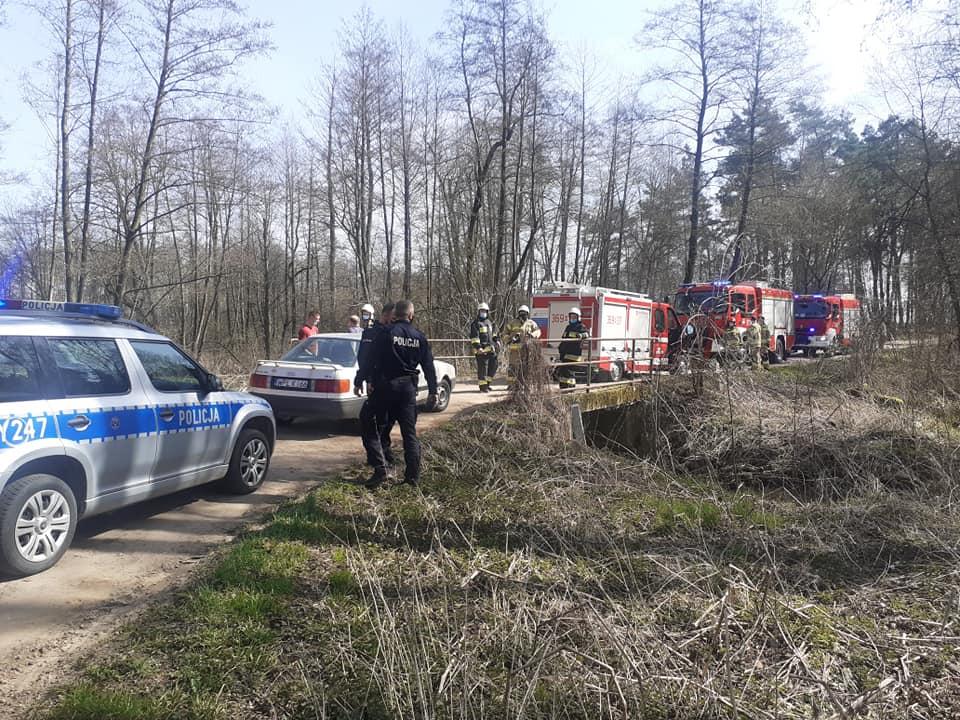 Zadzwonił na policję i zgłosił: do rzeki wpadł samochód z czterema osobami w środku - Zdjęcie główne