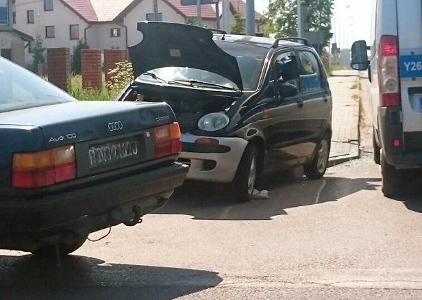 Zderzenie aut.Jedna osoba w szpitalu[FOTO] - Zdjęcie główne