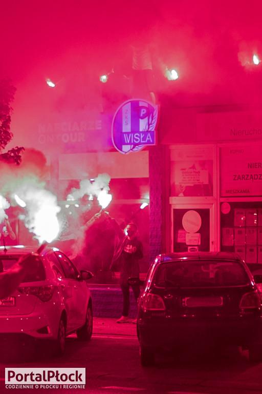 Kibice Wisły otworzyli sklep z pamiątkami w centrum - Zdjęcie główne