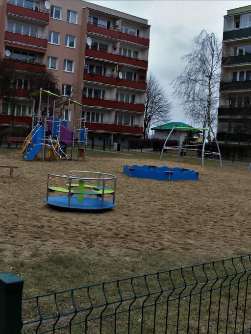 Plac zabaw na Międzytorzu - Zdjęcie główne