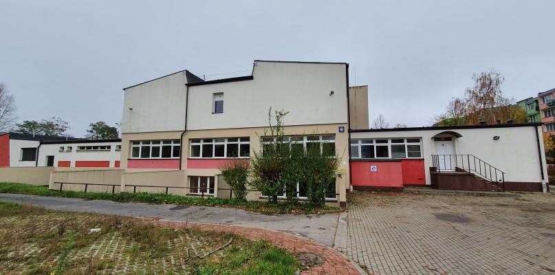 Szpital polowy w Płocku w byłej szkole? W piątek odbyła się wizytacja  - Zdjęcie główne