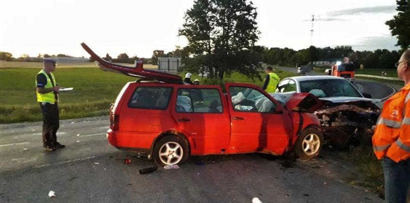 Pięć osób poszkodowanych w wypadku, w tym dzieci! - Zdjęcie główne