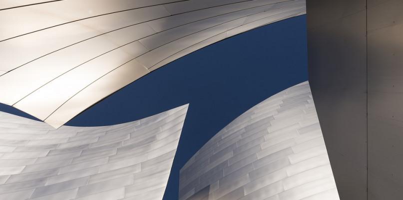Dlaczego blacha aluminiowa to właściwe rozwiązanie na dach Twojego domu? - Zdjęcie główne