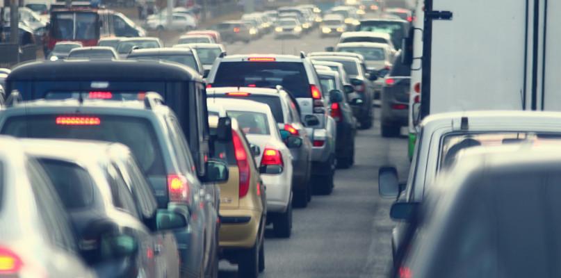 Samochodów przybywa w zastraszającym tempie. Statystycznie ma je każdy płocczanin - Zdjęcie główne
