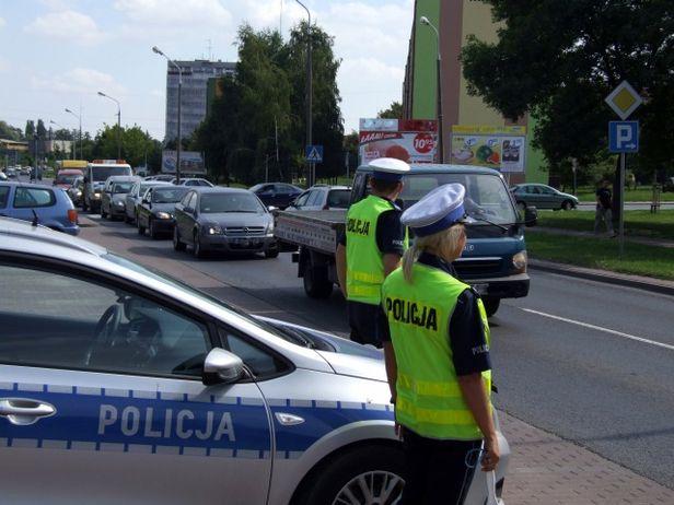 Kierowcy – podczas weekendu noga z gazu! - Zdjęcie główne