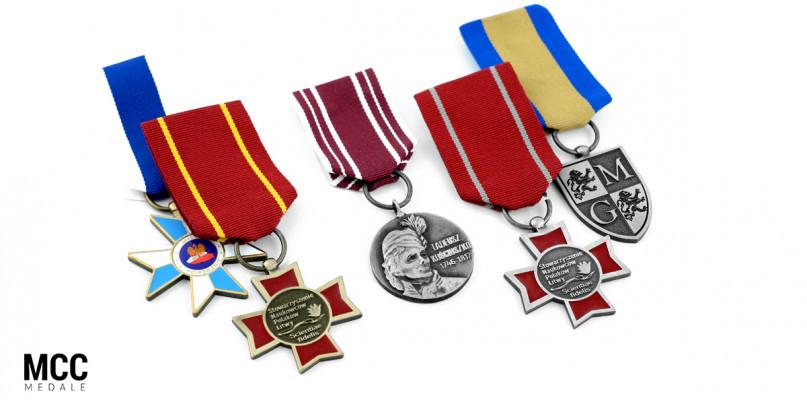 Pomysł na nagrody - odznaki na zamówienie - Zdjęcie główne