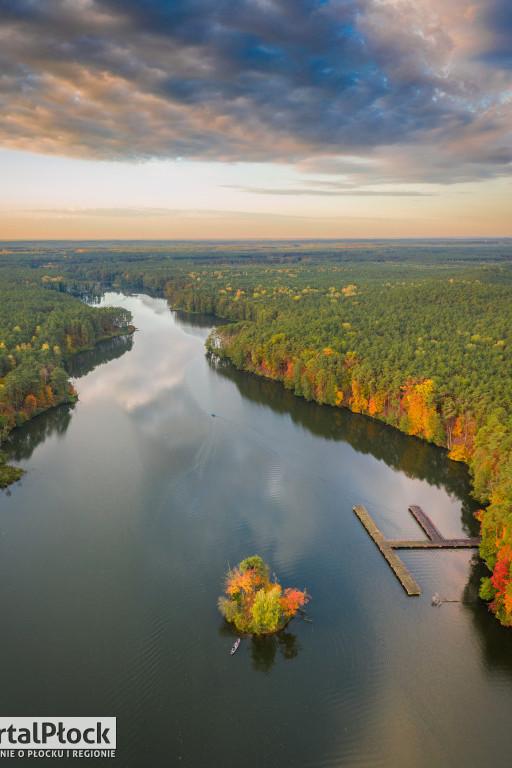 Płock i okolice na jesiennych zdjęciach z drona - Zdjęcie główne