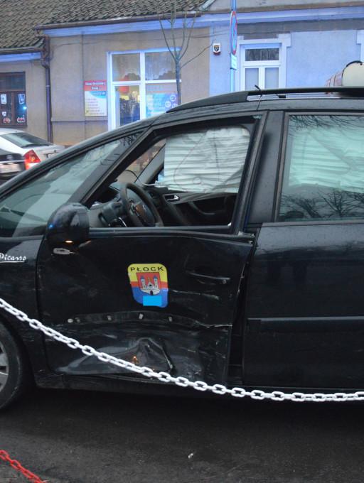 Zderzenie aut w centrum. Jeden pas zablokowany - Zdjęcie główne