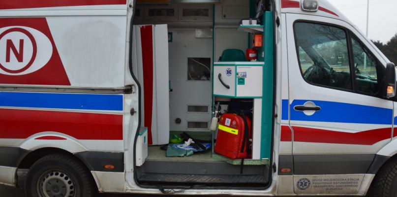 Z karetki wypadły drzwi. Jaki jest stan płockich ambulansów?  - Zdjęcie główne