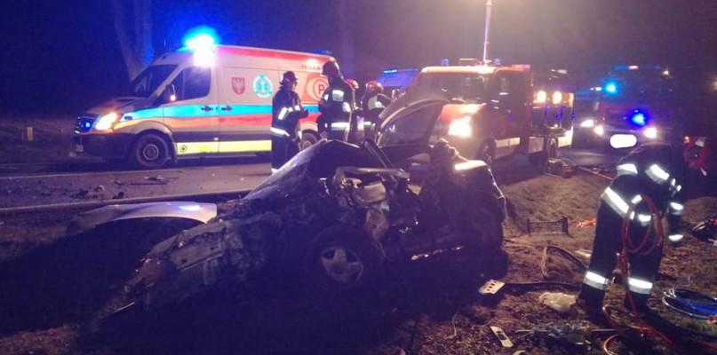 Czołowe zderzenie pod Płockiem, kierowca zginął na miejscu - Zdjęcie główne