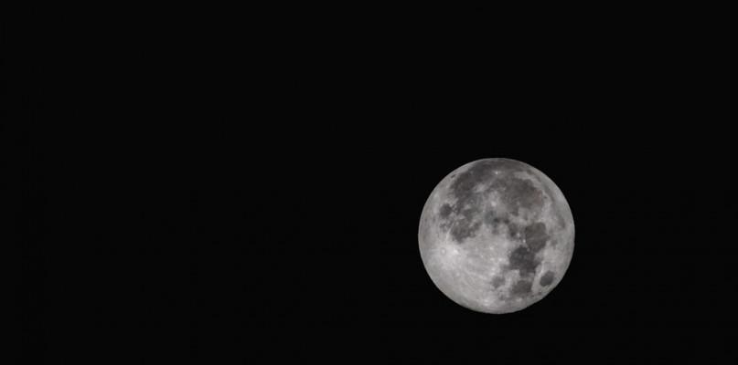 Śnieżny Księżyc. Nie przegapcie niezwykłego zjawiska na niebie - Zdjęcie główne