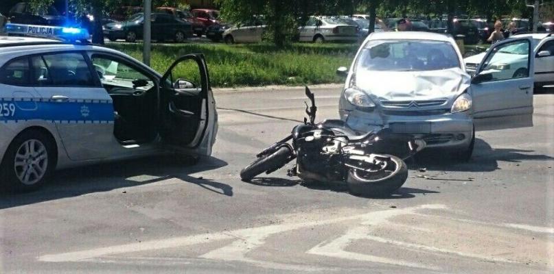 Ranny motocyklista w zderzeniu z osobówką [ZDJĘCIA] - Zdjęcie główne