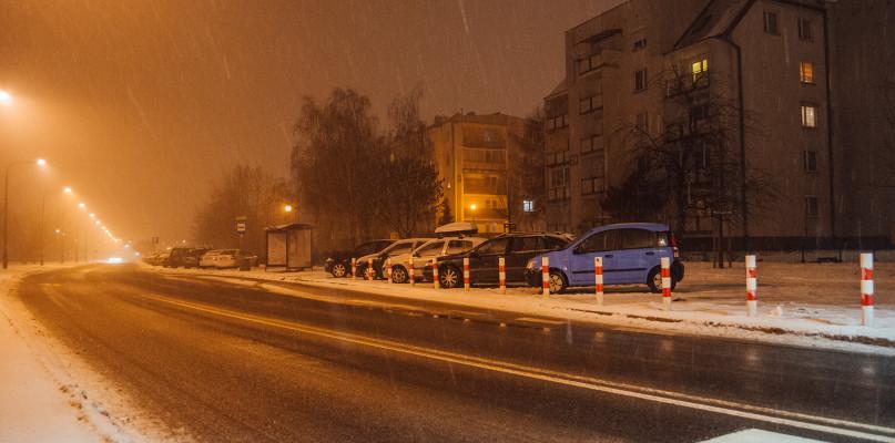 Mieszkaniec Podolszyc jest wściekły. - Tu nie ma gdzie parkować - Zdjęcie główne