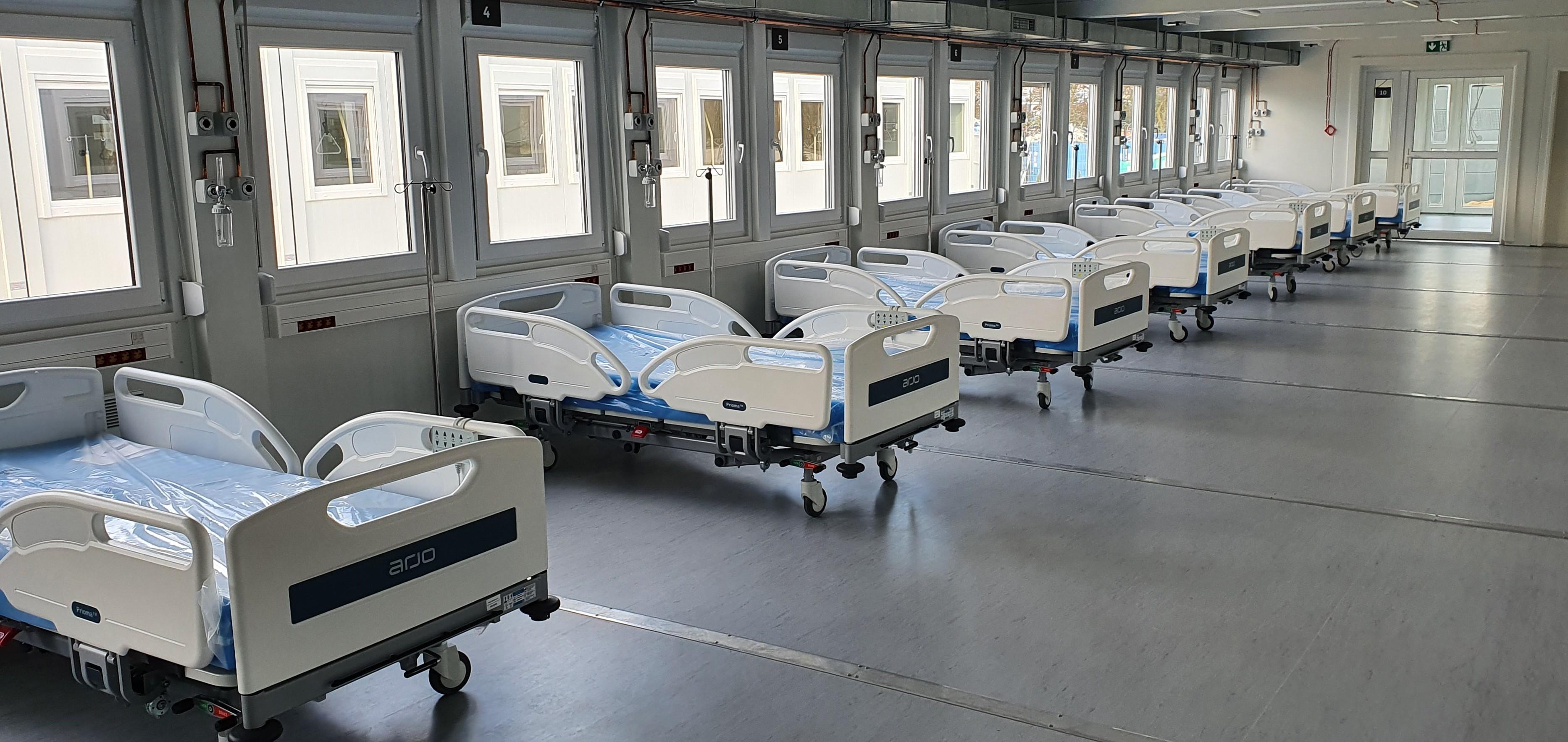 Winiary więcej pacjentów z Covid-19 nie przyjmą, w tymczasowym nie ma anestezjologów. - Nie są zainteresowani pracą w szpitalu tymczasowym - Zdjęcie główne