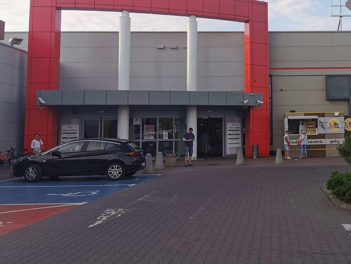 Ogromna sieć marketów zniknie z Polski? Taki sklep jest również w Płocku  - Zdjęcie główne